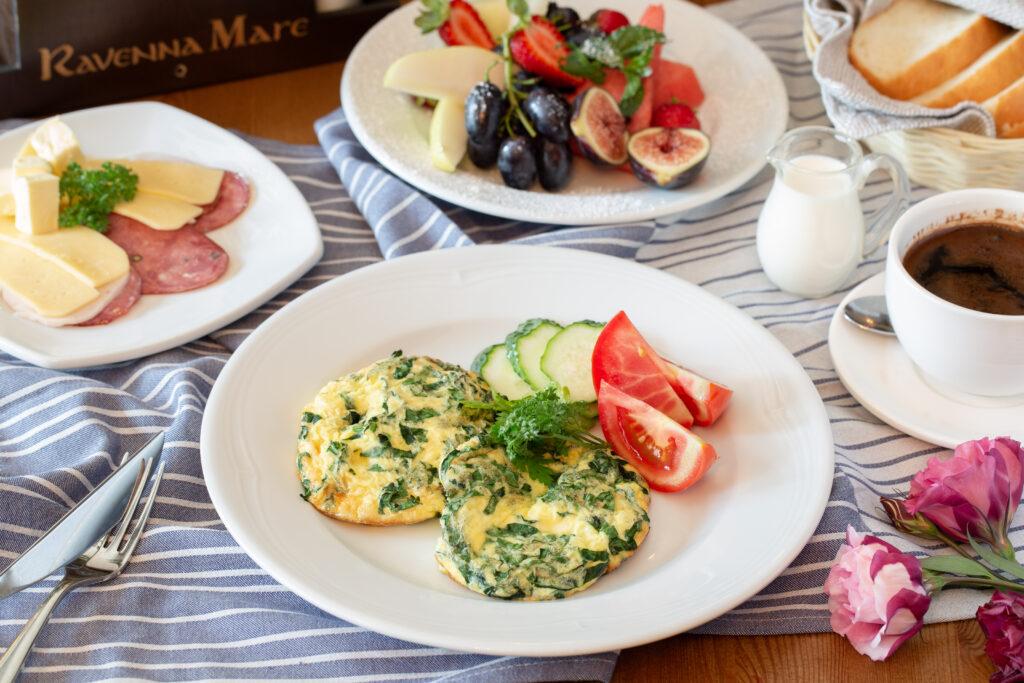 Завтрак в ресторане Ravenna Mare